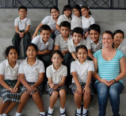 Tricia Johnson '11 with her third grade class in Honduras last year.