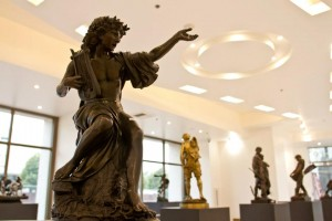 Bronze statue in the gallery